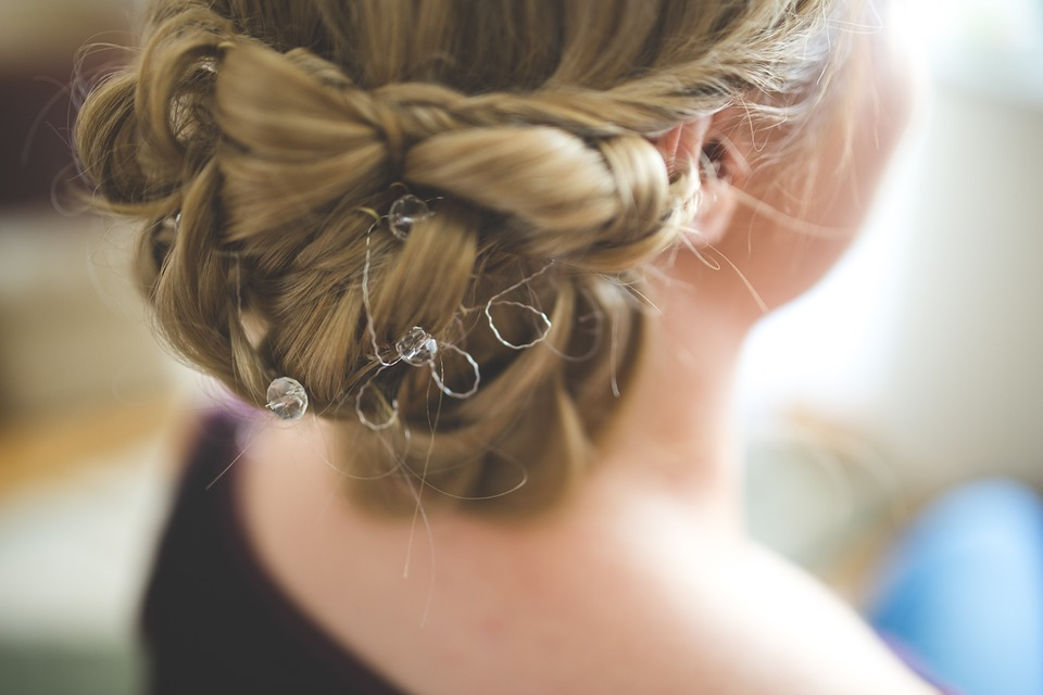 Amazing Hairstyles for Christmas9