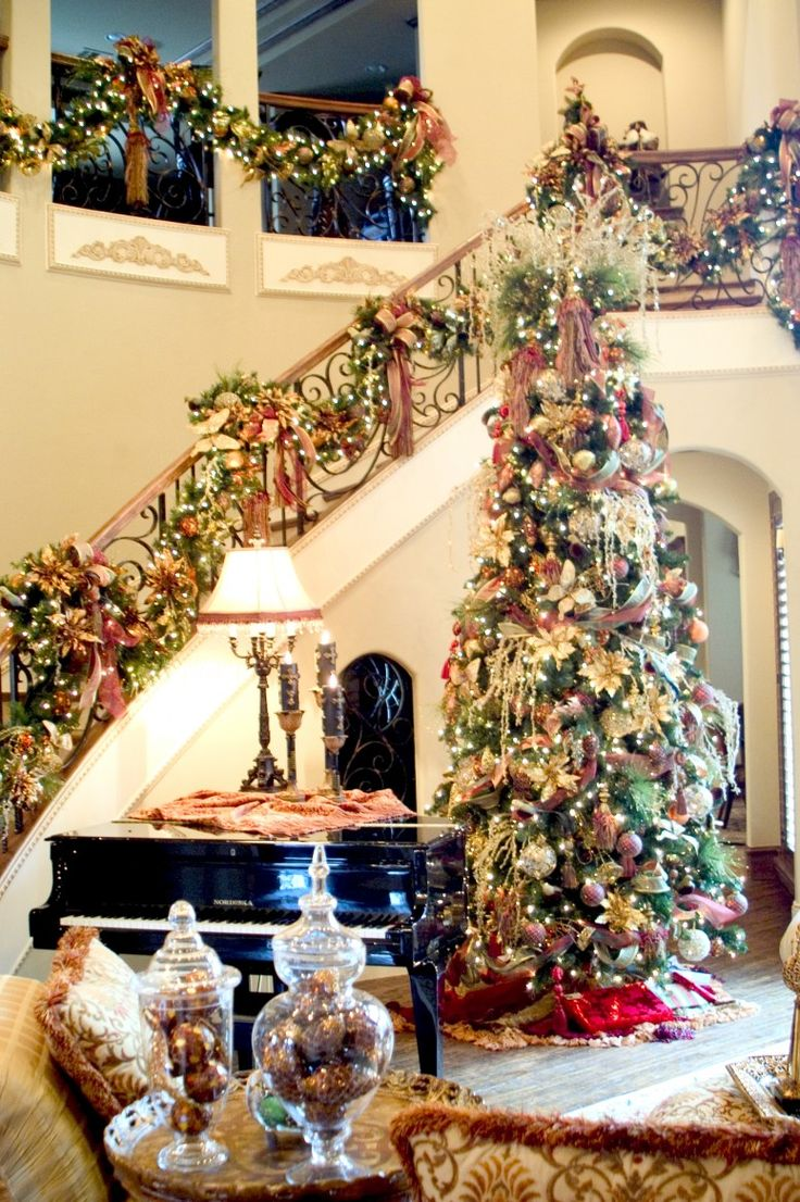 CHARMING CHRISTMAS TREE DECORATING15
