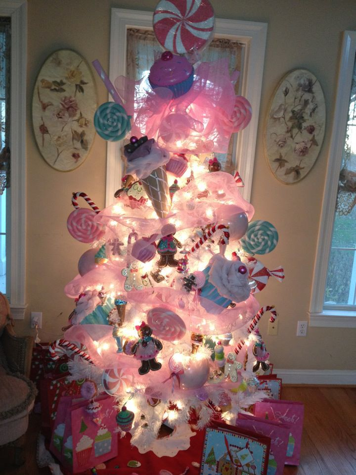 charming christmas tree decorating23