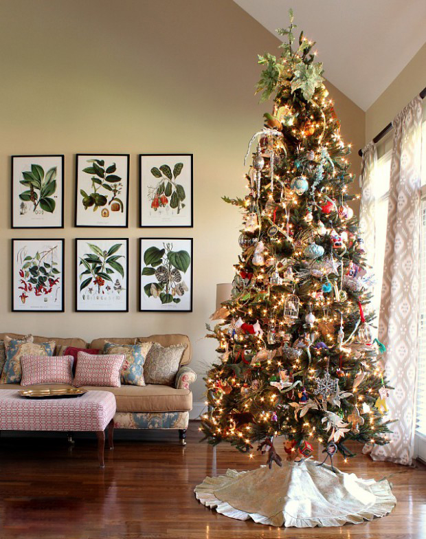 CHARMING CHRISTMAS TREE DECORATING26