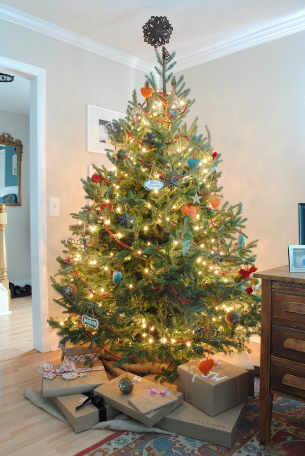 charming christmas tree decorating31 - Ways To Decorate A Christmas Tree