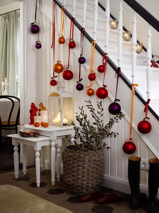 Christmas Staircase Decorations11