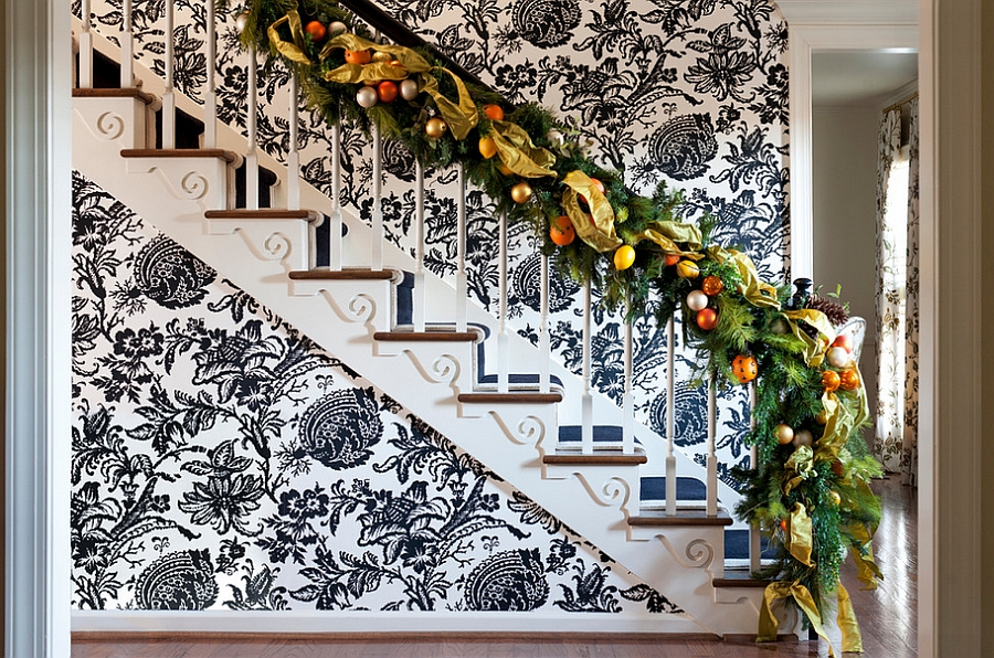 Christmas Staircase Decorations16