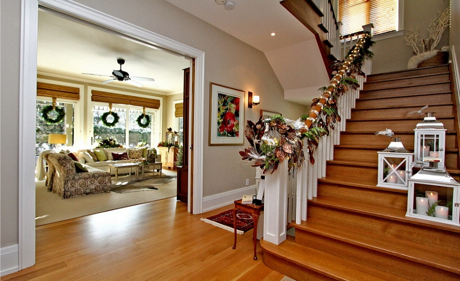 Christmas Staircase Decorations18