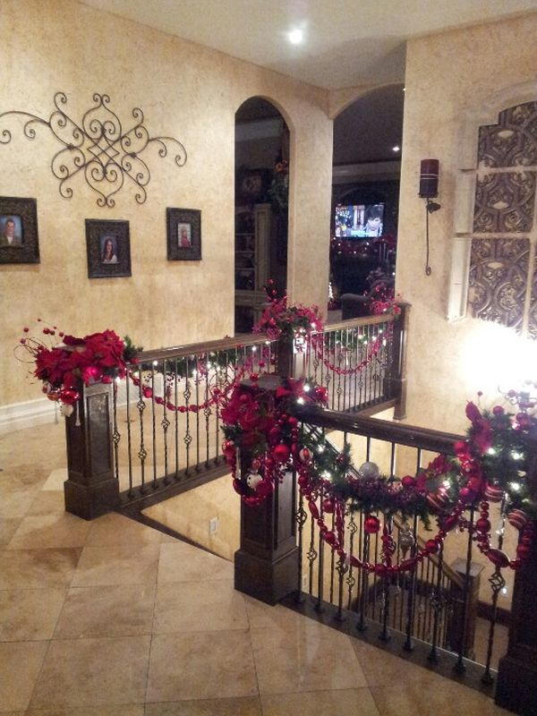 Christmas Staircase Decorations21