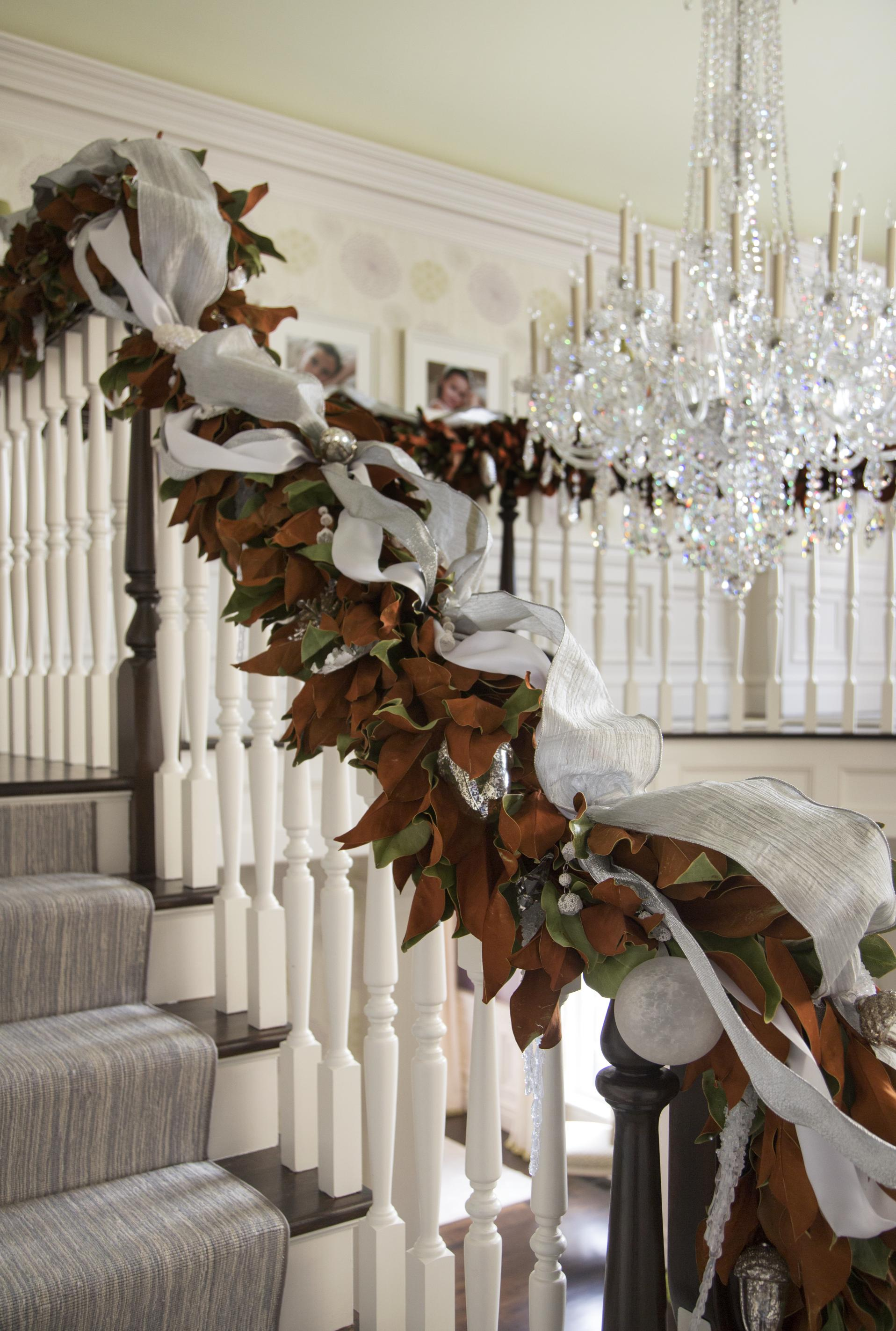 Christmas Staircase Decorations23