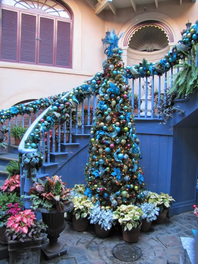 Christmas Staircase Decorations24