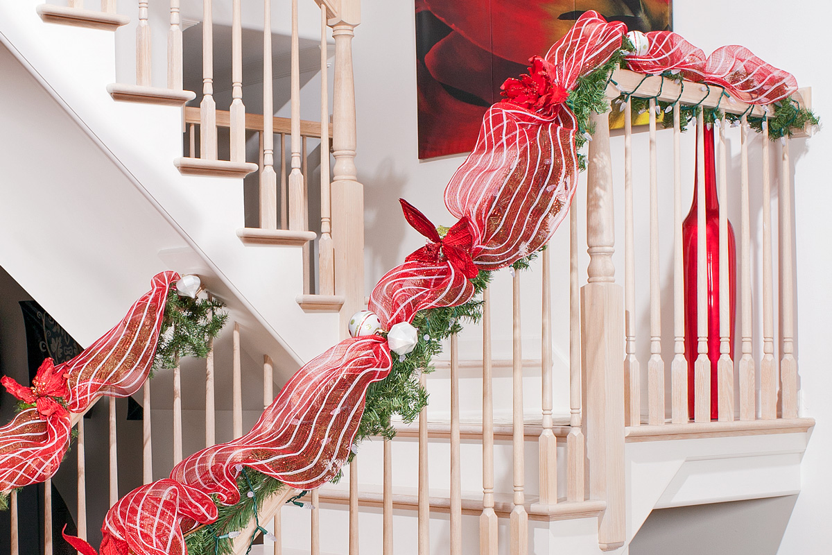 Christmas Staircase Decorations27