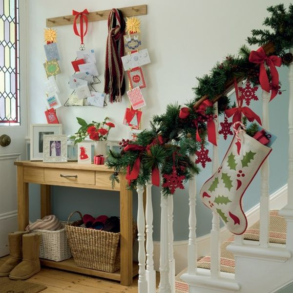 Christmas Staircase Decorations7