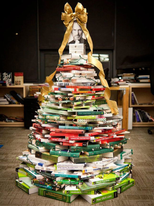 UNIQUE AND UNCONVENTIONAL CHRISTMAS TREE13