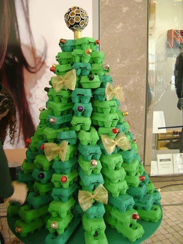 UNIQUE AND UNCONVENTIONAL CHRISTMAS TREE24