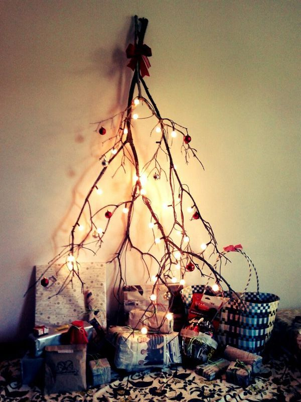 UNIQUE AND UNCONVENTIONAL CHRISTMAS TREE25