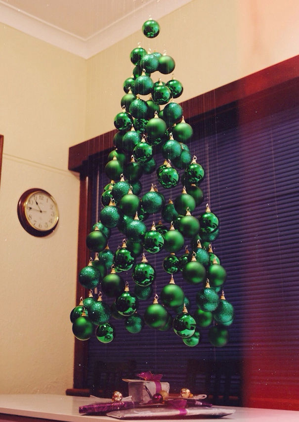 UNIQUE AND UNCONVENTIONAL CHRISTMAS TREE27