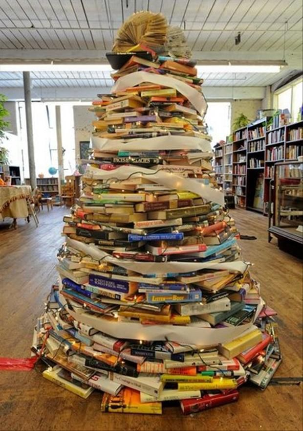 UNIQUE AND UNCONVENTIONAL CHRISTMAS TREE34