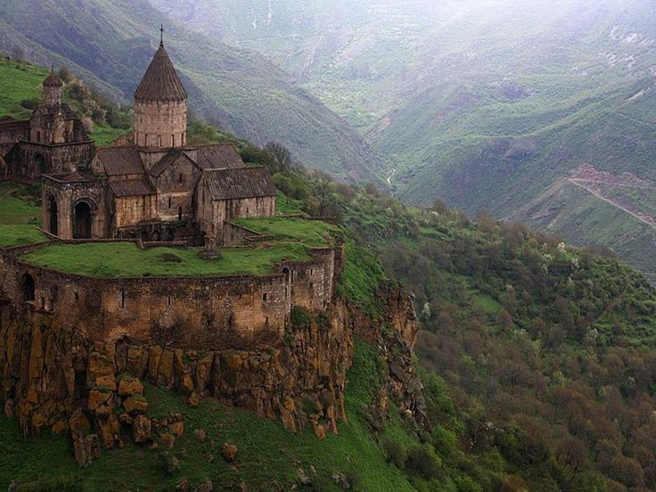 Best Castles in the world24