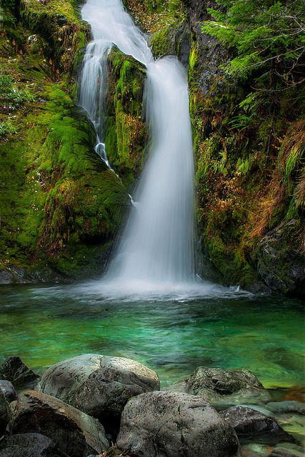 Best usa waterfalls to visit this holiday 13