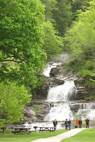 Best usa waterfalls to visit this holiday 15