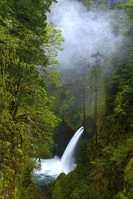 Best usa waterfalls to visit this holiday 30