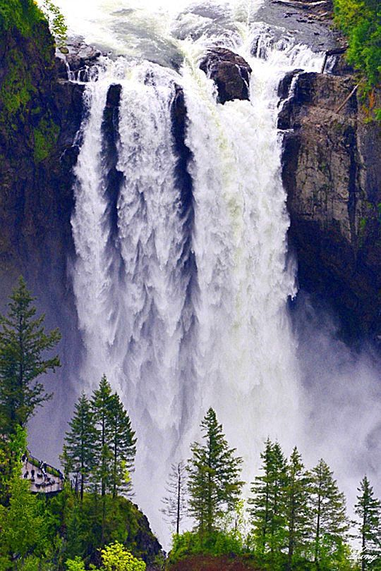 Best usa waterfalls to visit this holiday 5