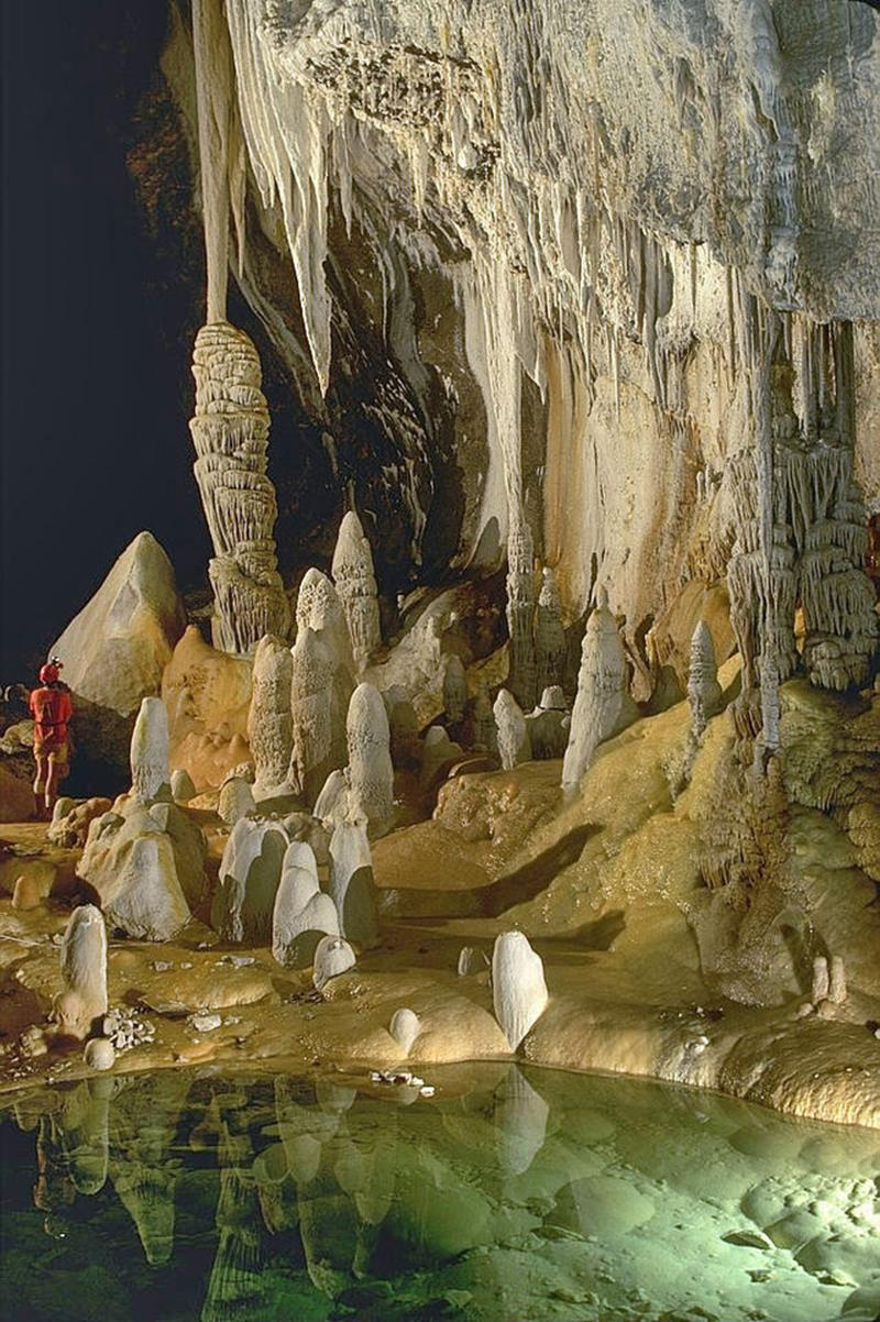 Breathtaking caves around the world 1