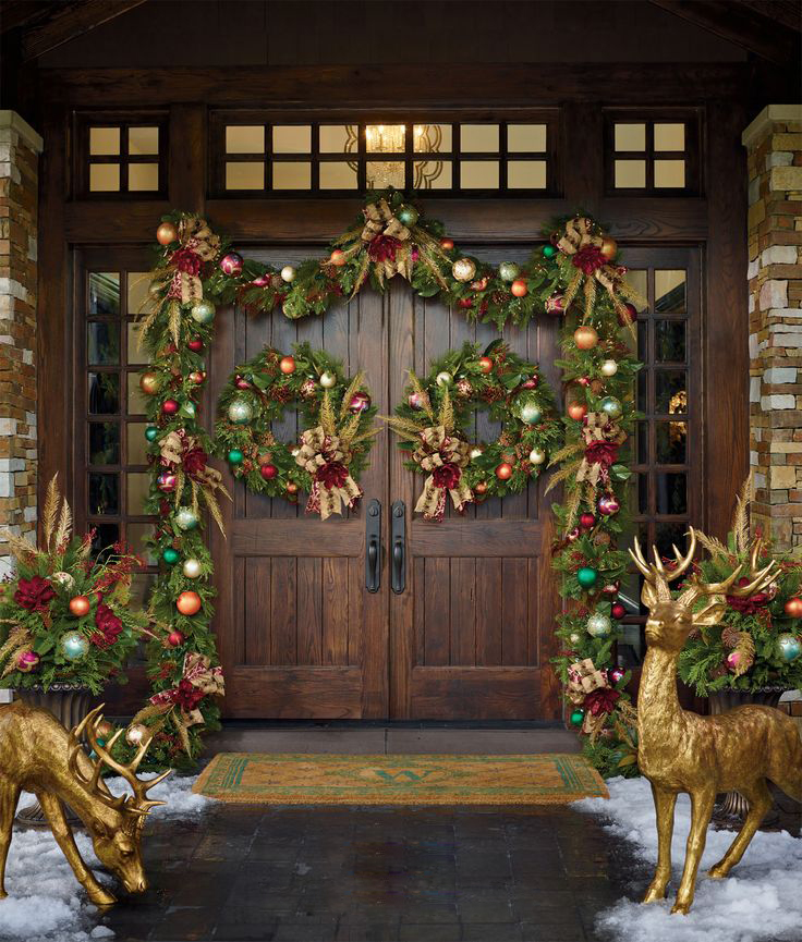 CHRISTMAS FRONT PORCH DECORATIONS12