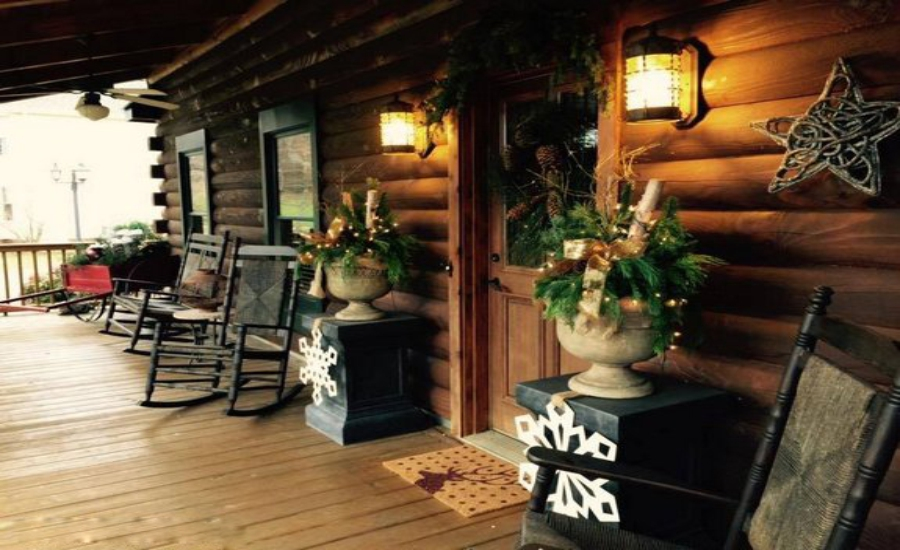 CHRISTMAS FRONT PORCH DECORATIONS23