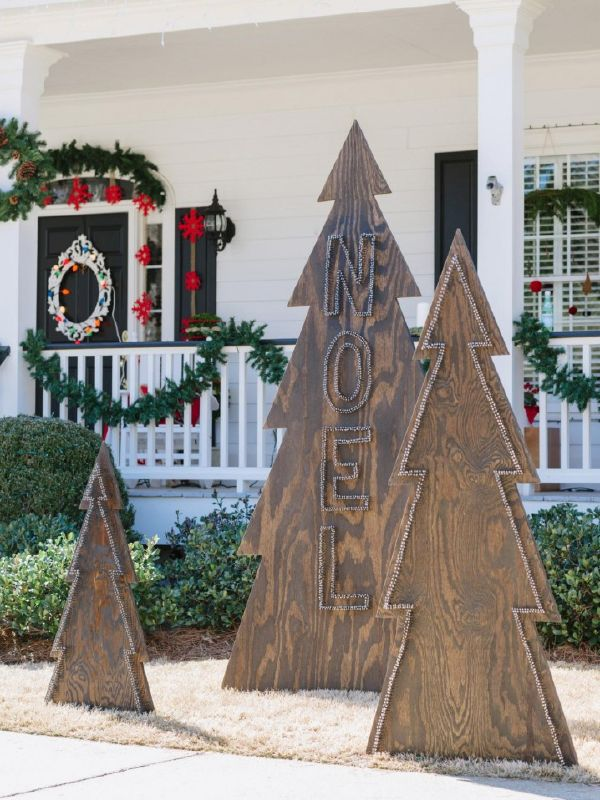 CHRISTMAS FRONT PORCH DECORATIONS5