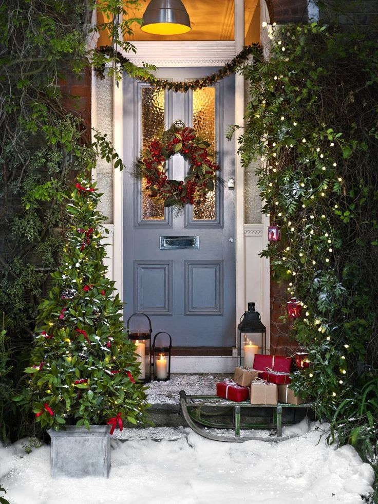 CHRISTMAS FRONT PORCH DECORATIONS6