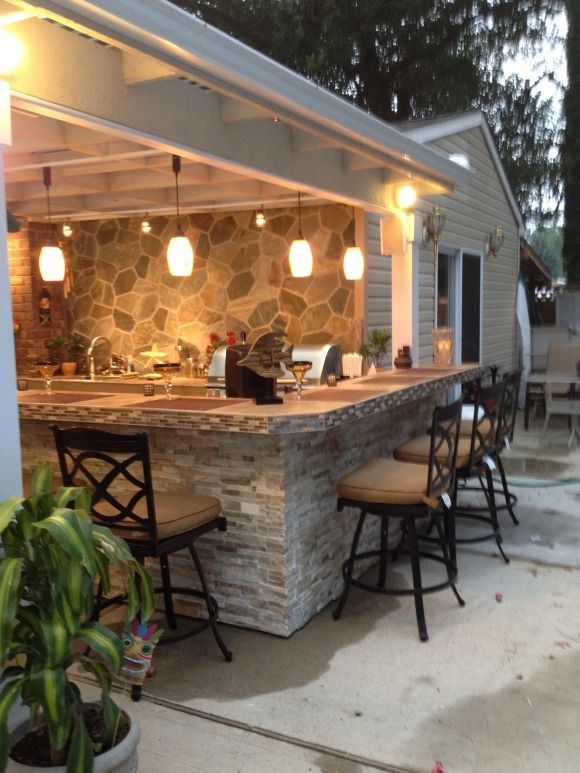 Covered Outdoor Kitchens and Bars
