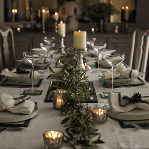 Dining Table For Christmas15