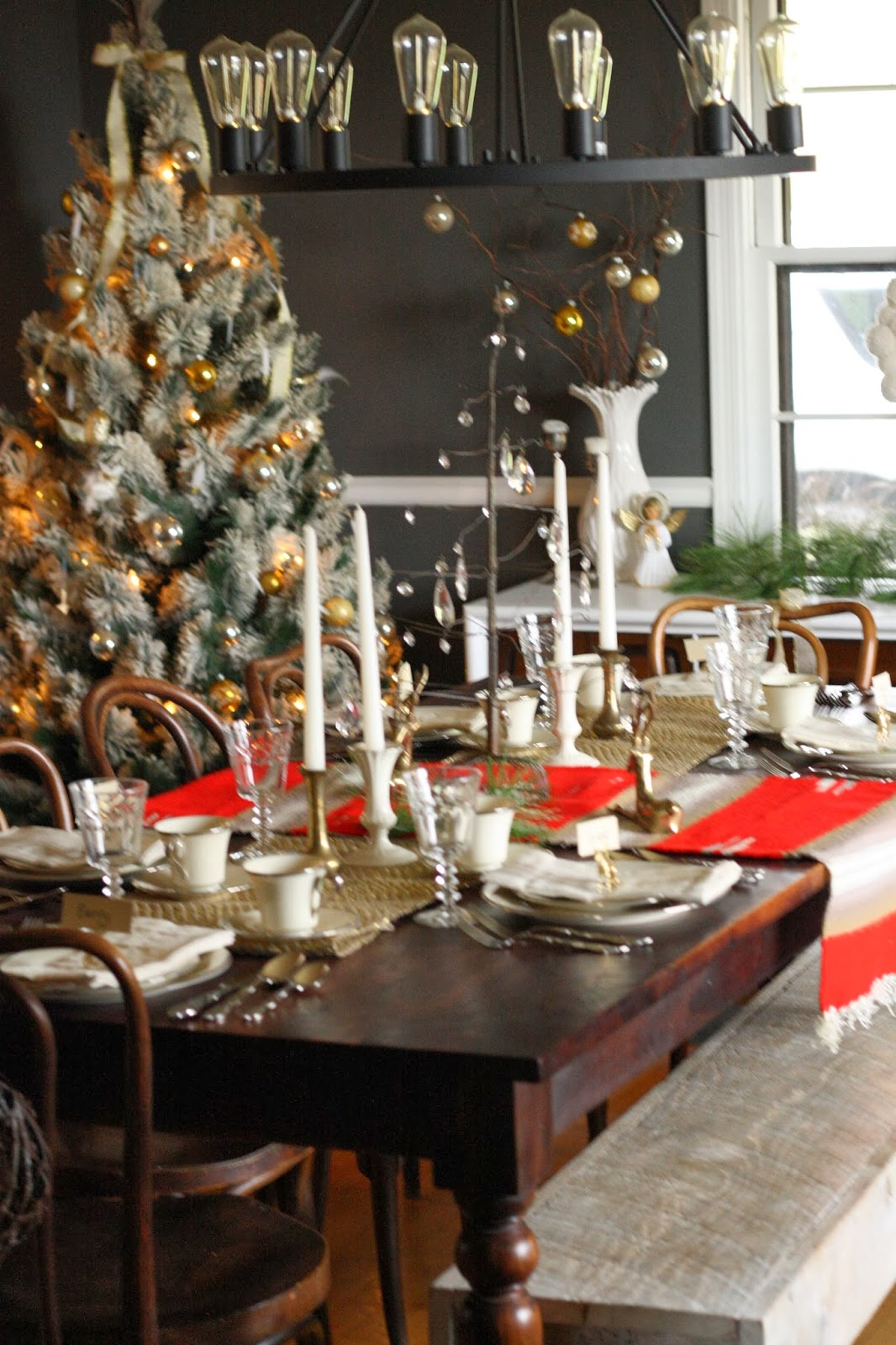 Dining Table For Christmas5