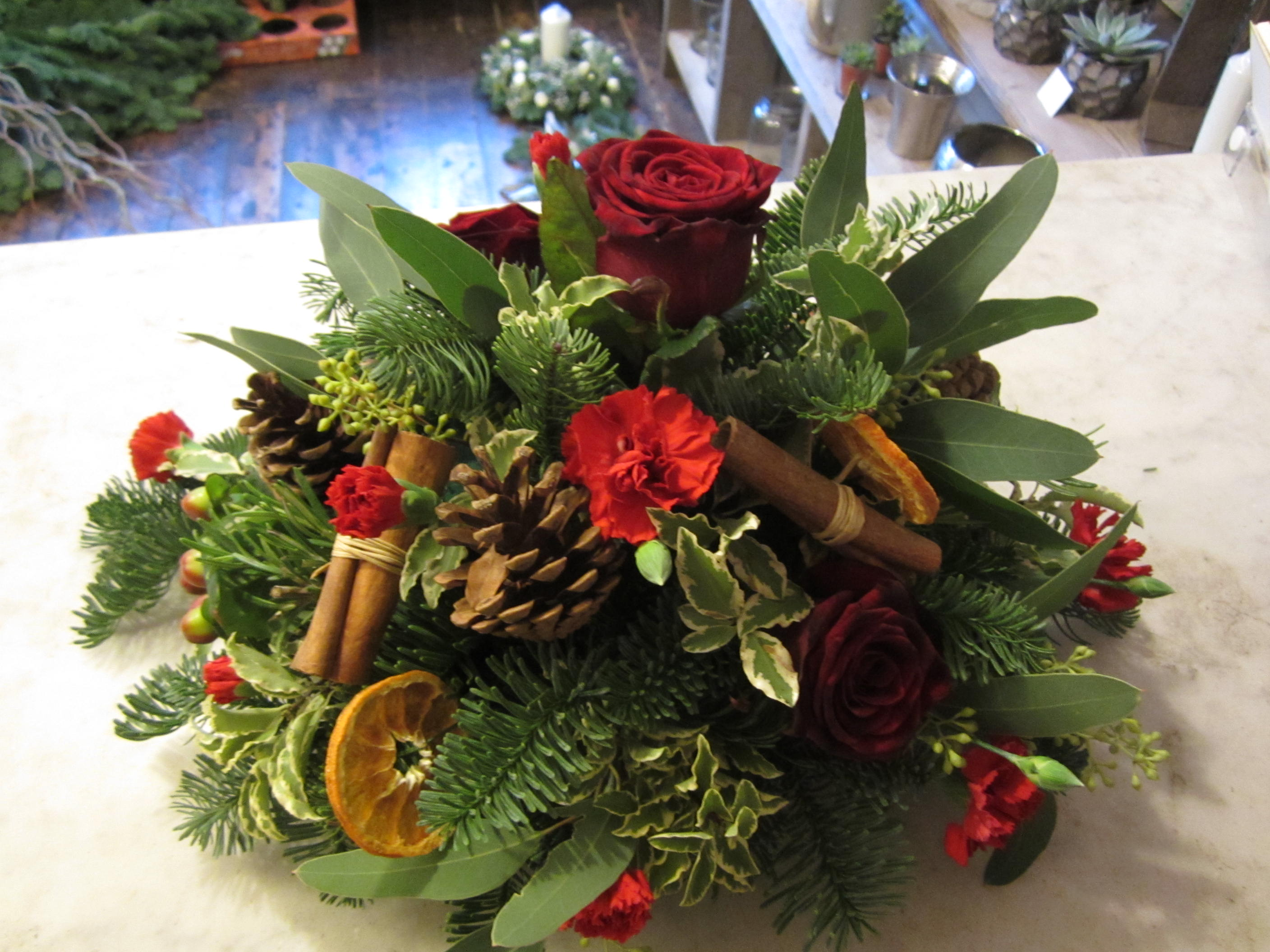 flower arrangements for christmas15