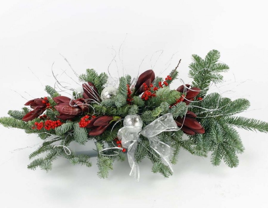 Flower arrangements for christmas