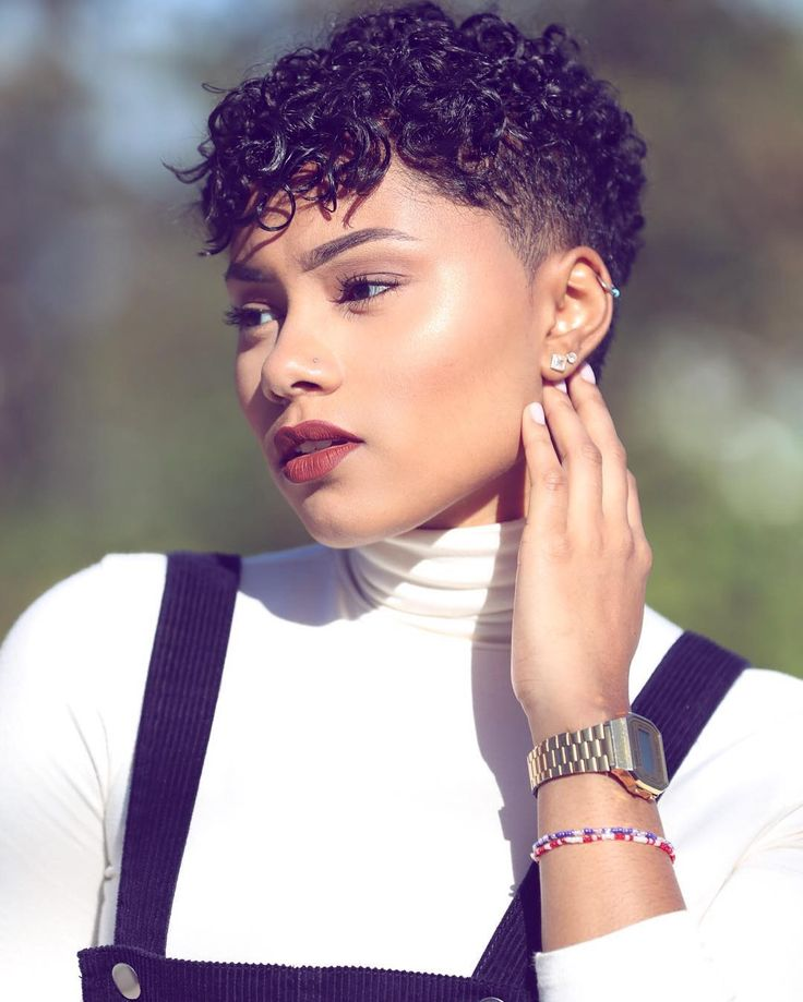 Stunning short hairstyles for gorgeous women 11