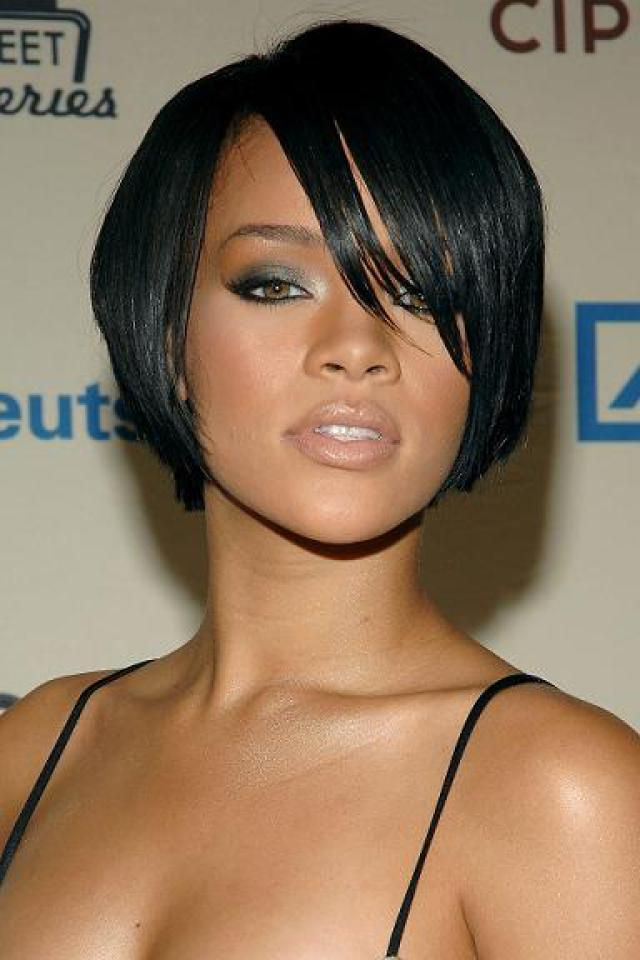 Stunning short hairstyles for gorgeous women 21
