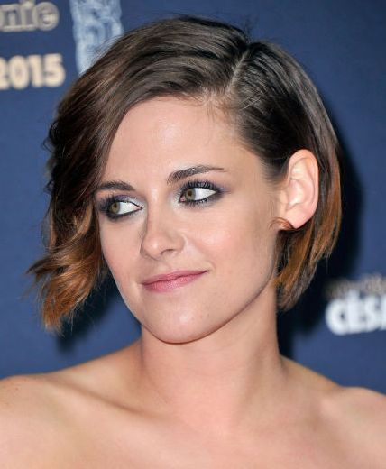 Stunning short hairstyles for gorgeous women 22
