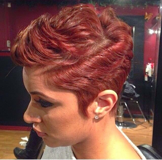 Stunning short hairstyles for gorgeous women 6