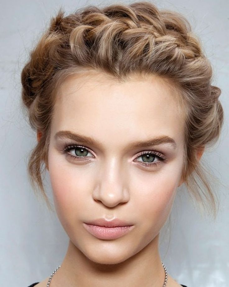 Gorgeous hairstyles for short hair 31