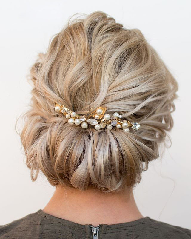 Gorgeous hairstyles for short hair 39
