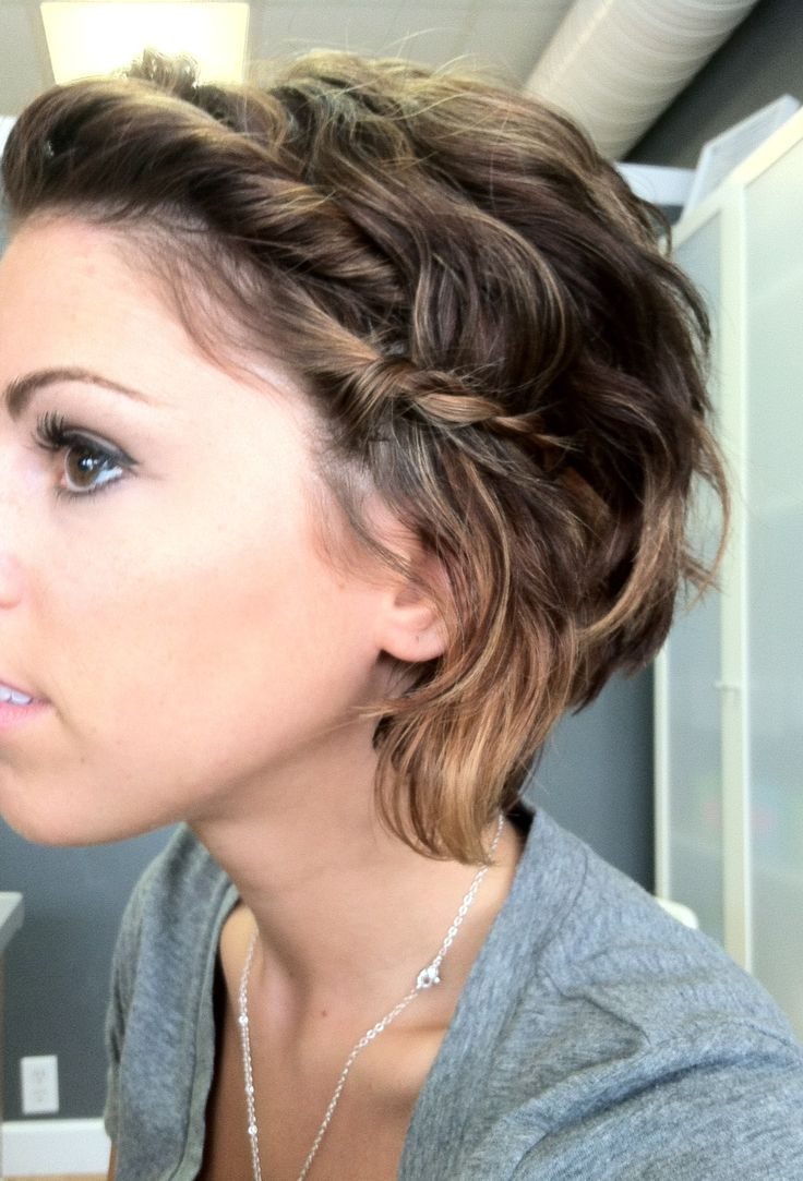 Gorgeous hairstyles for short hair 47