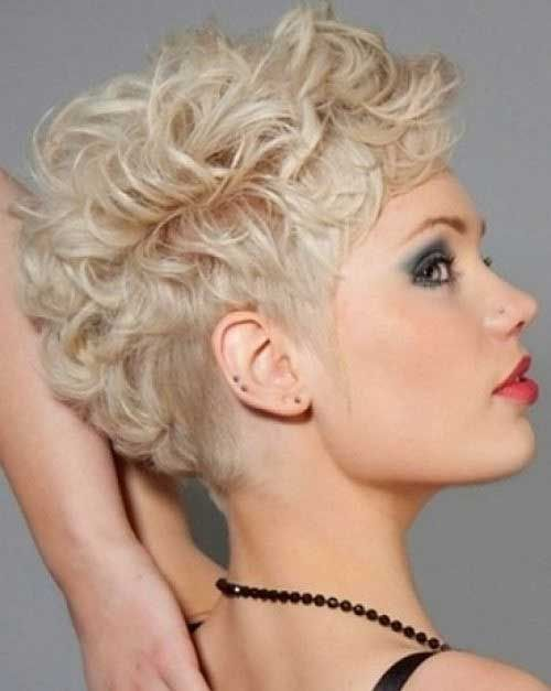 Gorgeous hairstyles for short hair 9