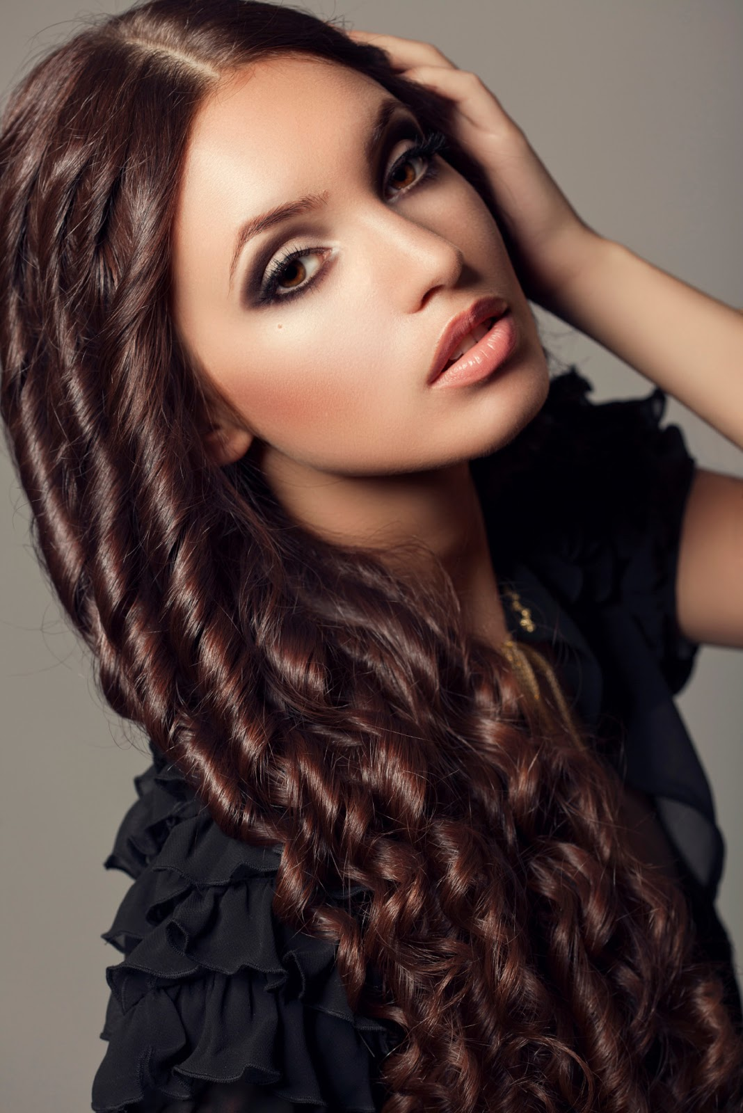 Amazing curly hairstyles for women 13