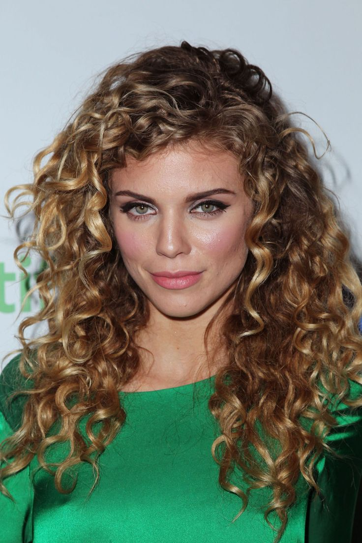 Amazing curly hairstyles for women 25