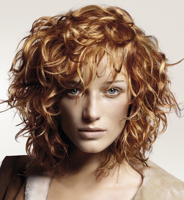Amazing curly hairstyles for women 26