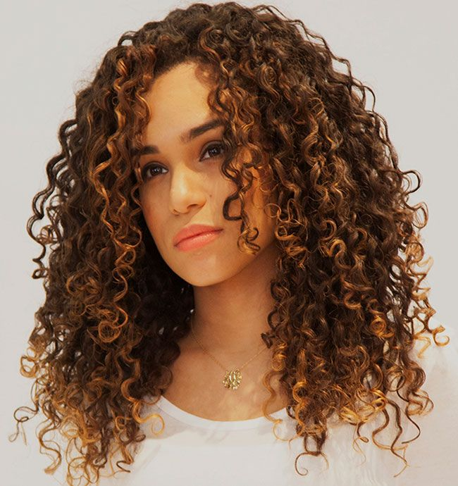 Amazing curly hairstyles for women 3