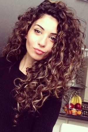 Amazing curly hairstyles for women 6
