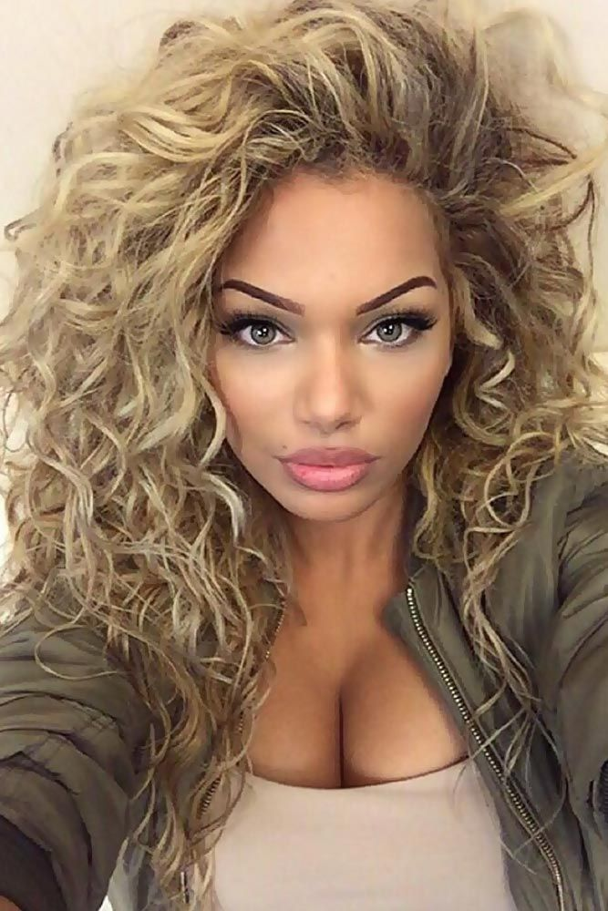 Amazing curly hairstyles for women
