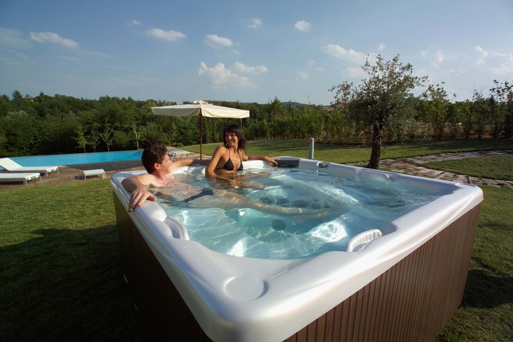 Awesome hot tubs for relaxation 11