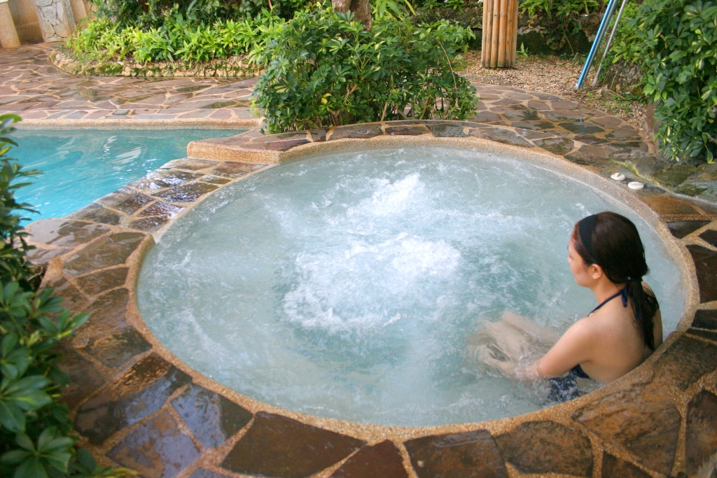 Awesome hot tubs for relaxation 6