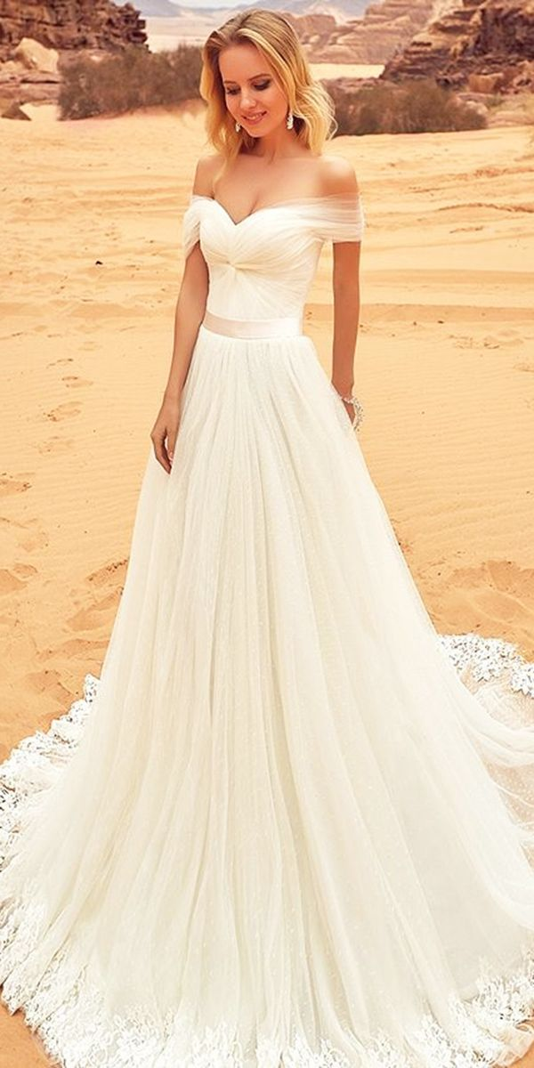 Beautiful bridal gowns for 2018 1